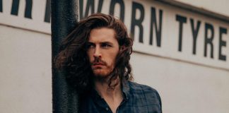 Hozier_2_-_photo_by_Edward_Cooke