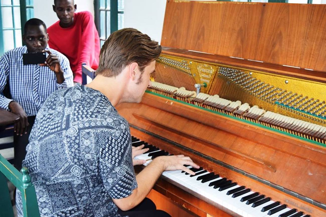 "Piotr Orzechowski ""Pianohooligan"""